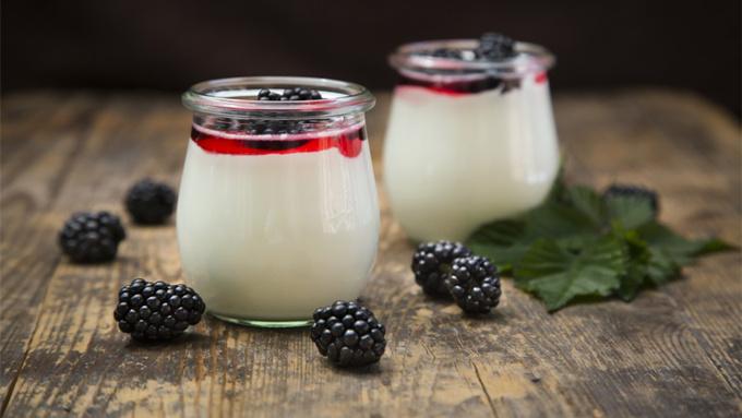 酸奶含糖少才健康